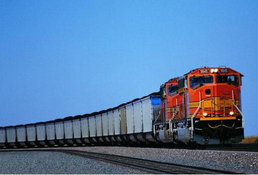 在控制中港物流运输成本的过程中要进行综合治理